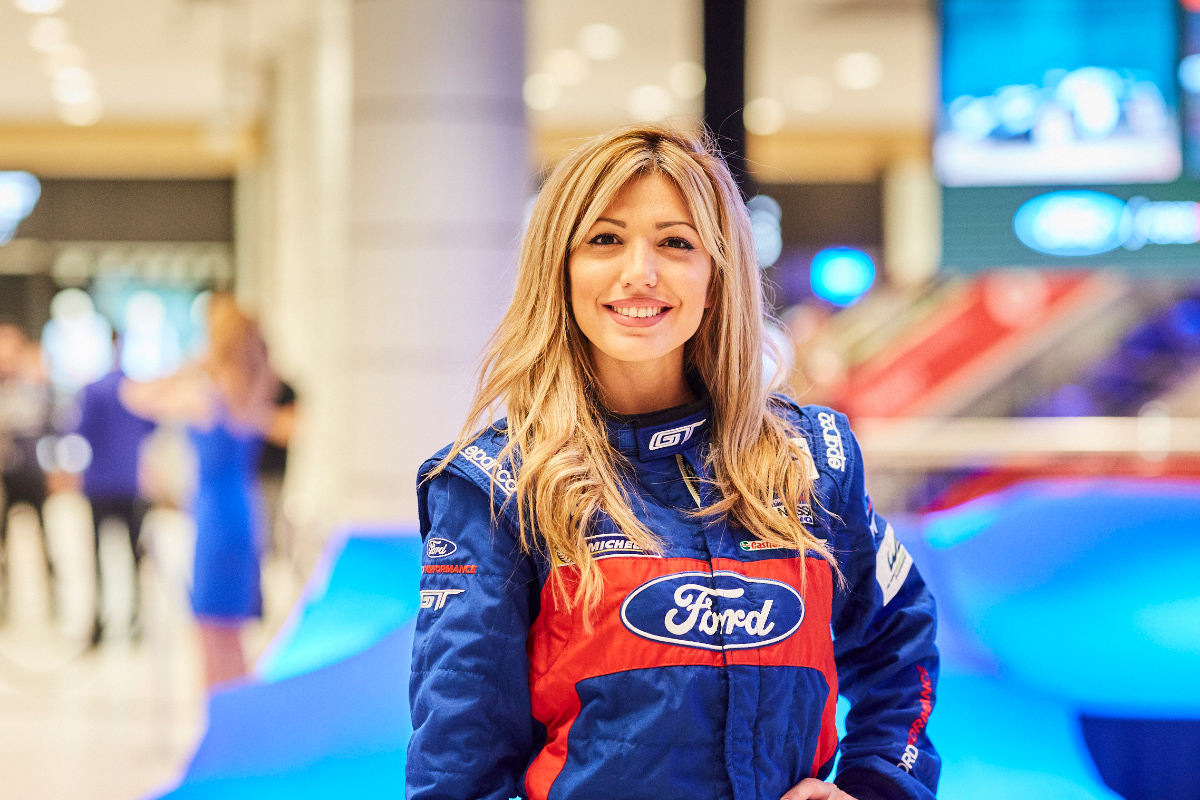 Ford_GT_Event_Mall-103